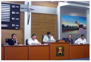 o Secretario de Recursos Humanos Rodrigo Moreno; Secretário da SEHAUM José Dias Batista Ferrari; Vereador Jessé Loures (PV); Vice-Diretor do Ciesp Mario Tanigawa e Profº. Nobel Penteado