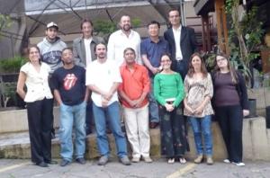 Membros da ANAGEA e SOS Mata Atlântica posam para foto