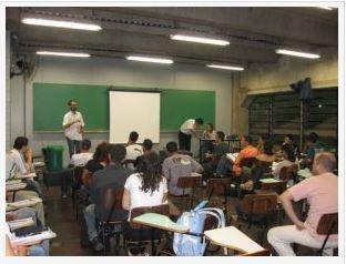 Protocolo: Fransueldo Pereira (Vice-presidente) - na foto em palestra na UNG.